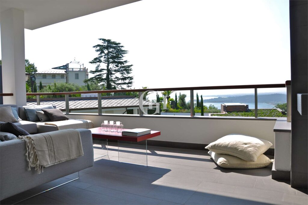 Penthouse with Jacuzzi on the terrace